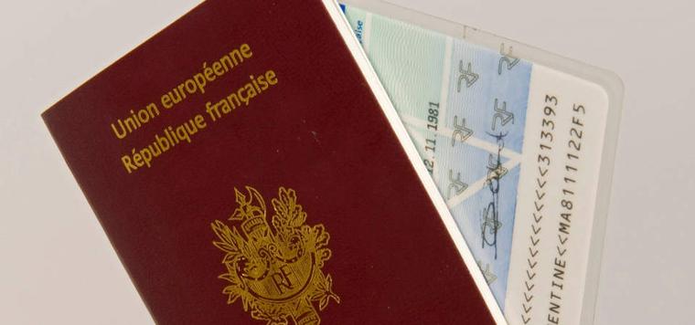 Passeport et pièce d'identité